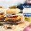 Burger με γεμιστό σνίτσελ κοτόπουλο και fondue με μουστάρδα